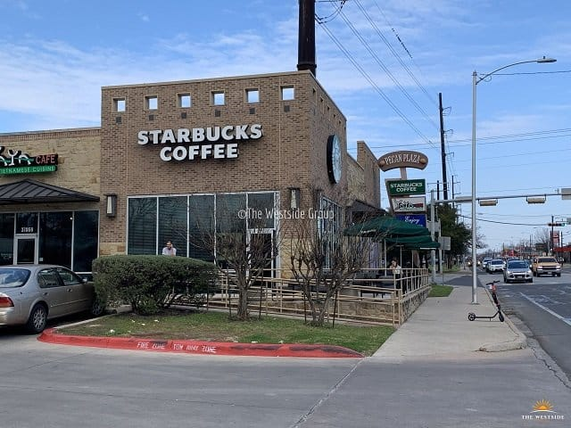 Starbucks Near Hyde Park Court Apartments on 38th and guadalupe streets