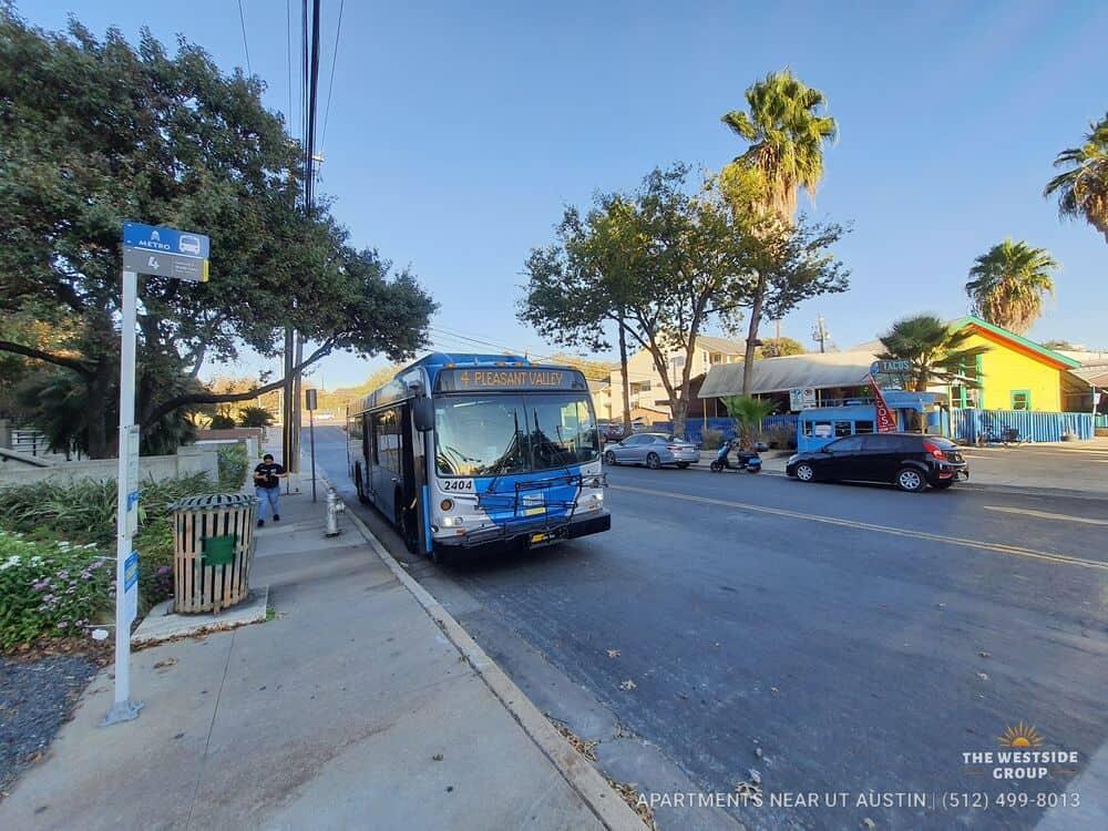 metrobus stop 6th street