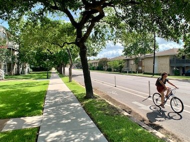 hyde park austin neighborhood biking trail