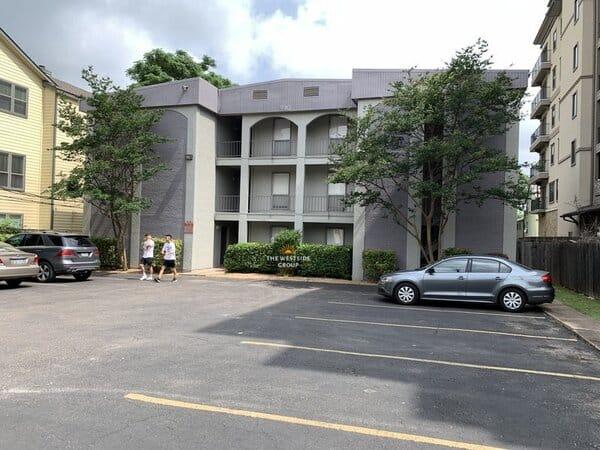 independent student apartments UT Austin